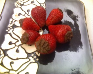 Another way to add health to chocolate: dark chocolate mousse stuffed strawberries. Photo by L. Nicoles 2011
